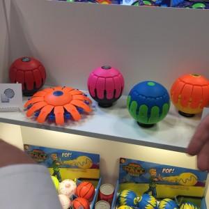 Phlat Ball Aeroflyt at Toy Fair 2016