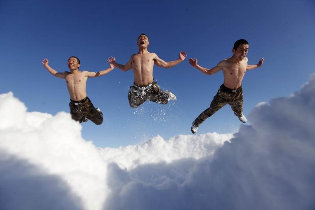 3 men flying