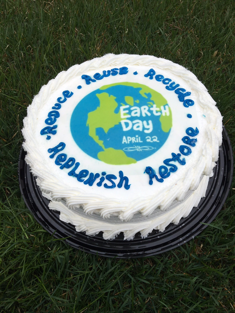 Happy Birthday Earth Day cake