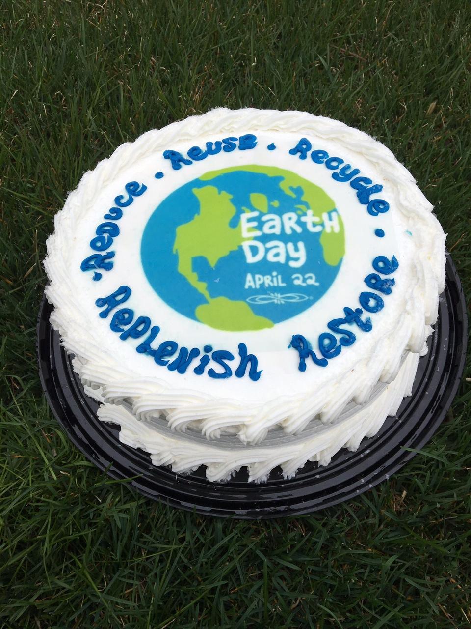 Happy Birthday Earth Day cake
